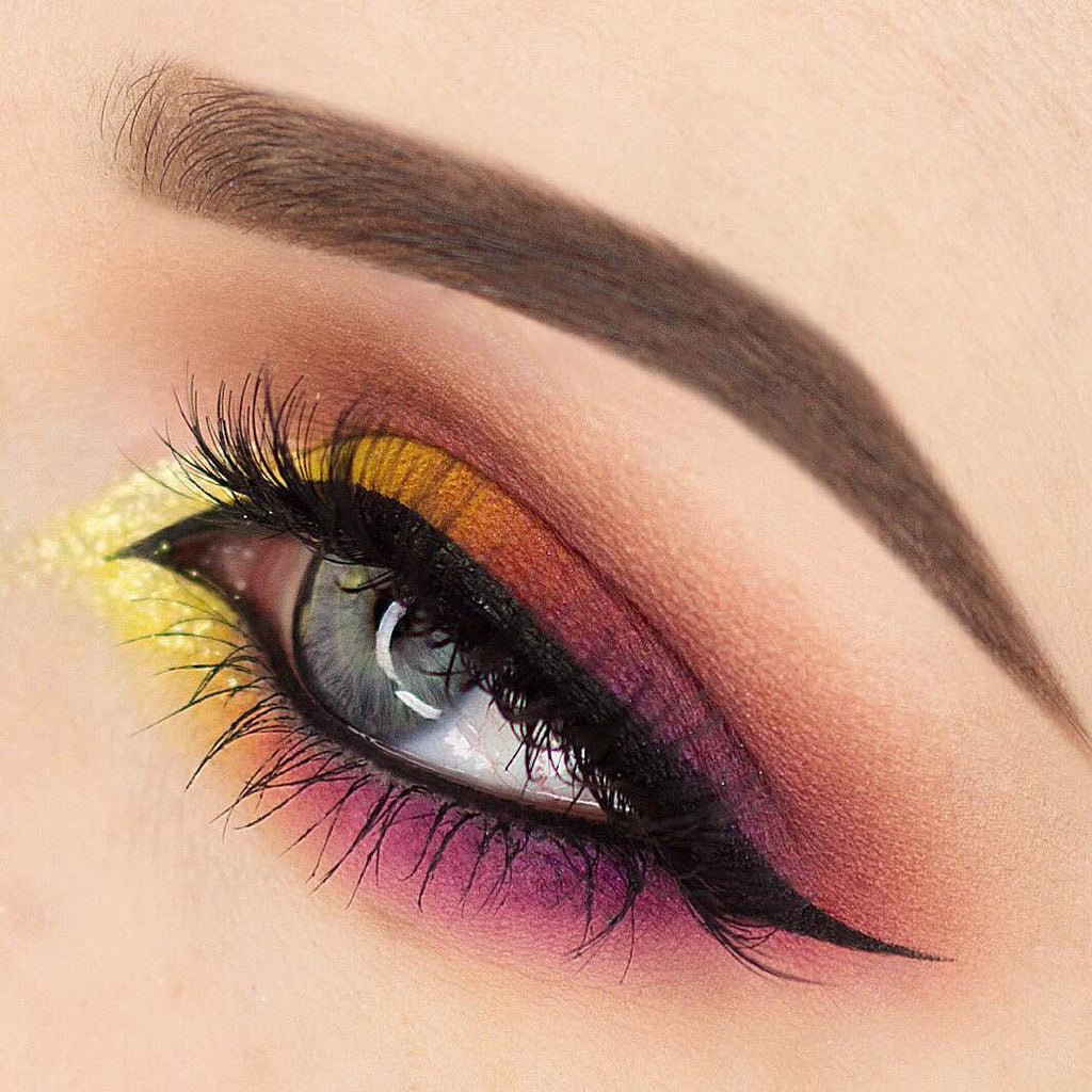 Looking Into The Sunset Like Whoa: Sunset Eyeshadow IS The New Trend