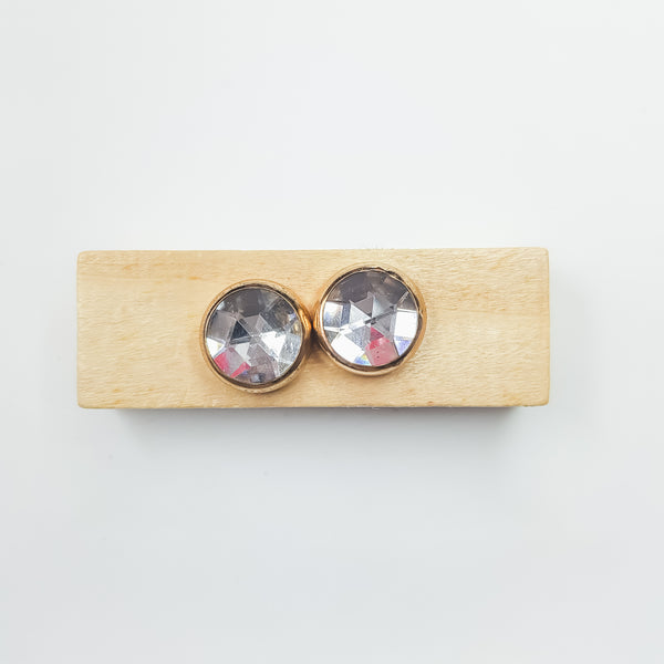White Crystal (2s) Magnetic Brooch