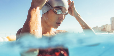 FIVE CURLY HAIR HACKS FOR SWIMMERS