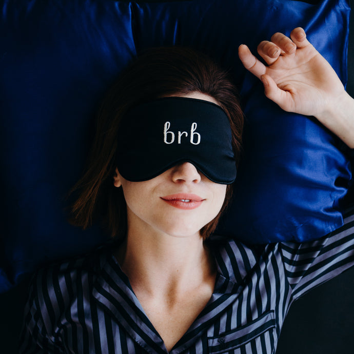 10 Things Your Skin Does While You're Asleep 😴
