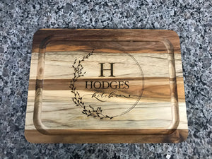 Customized Acacia Serving Rounded Cutting Board