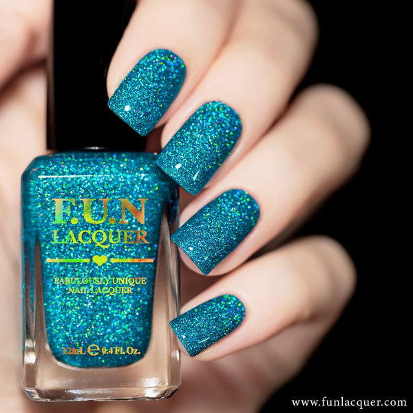 Lifestyle Ocean Blue Holographic Nail Polish