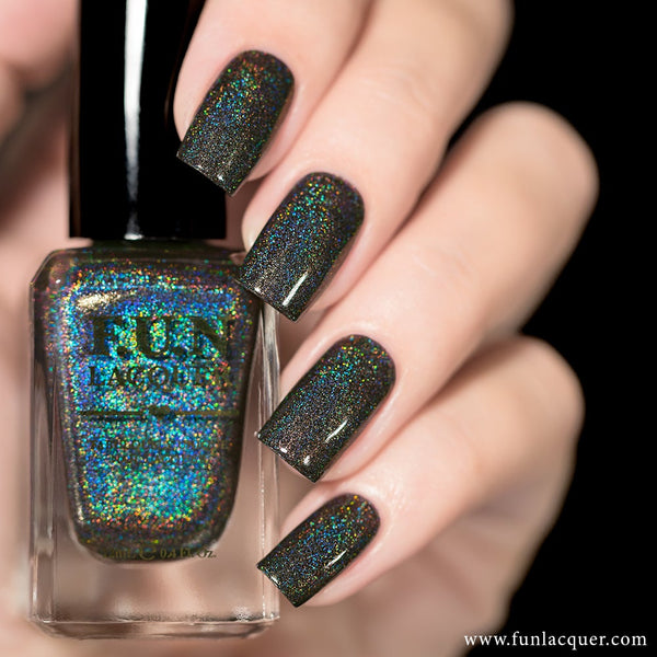 Last Doubt Linear Holographic Nail Polish