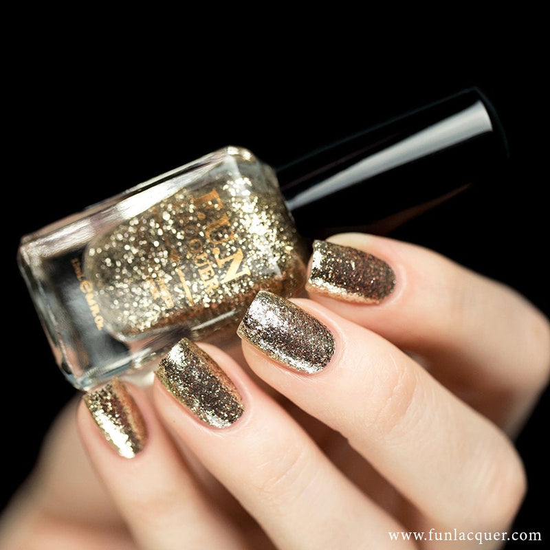 Pay Day Mirror Chrome Nail
