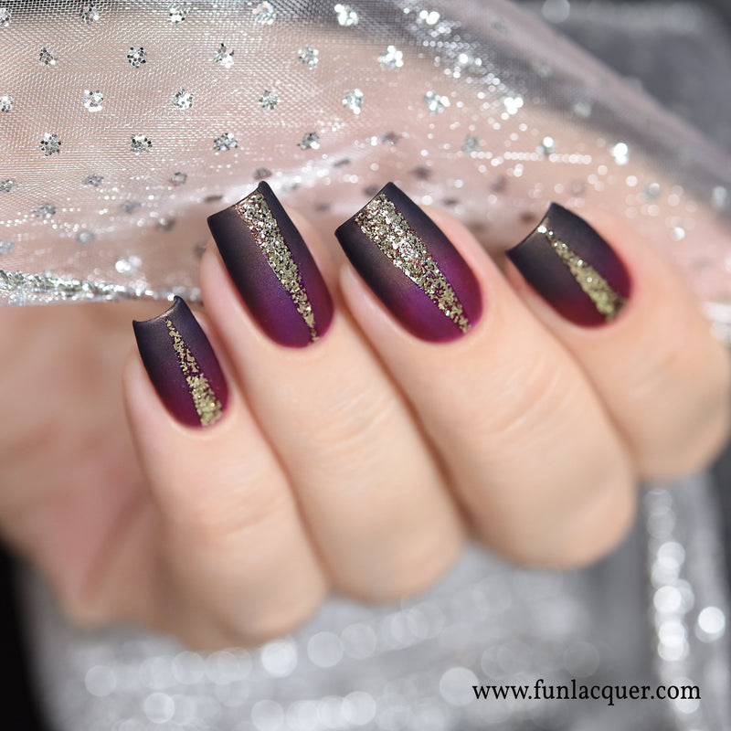 Pay Day Mirror Chrome Nail Art