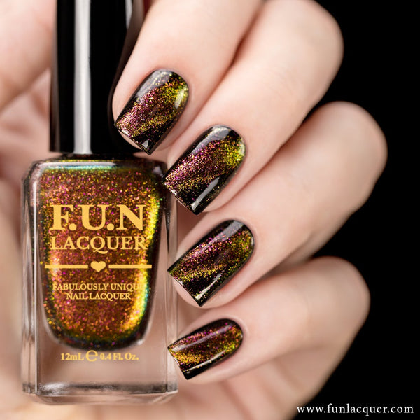 Amazing Multichrome Magnetic Nail Polish