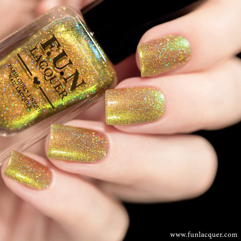 Beetle (H) Yellow Gold Color Shifting Holographic Nail Polish