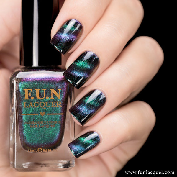 Believe Multichrome Magnetic Nail Polish