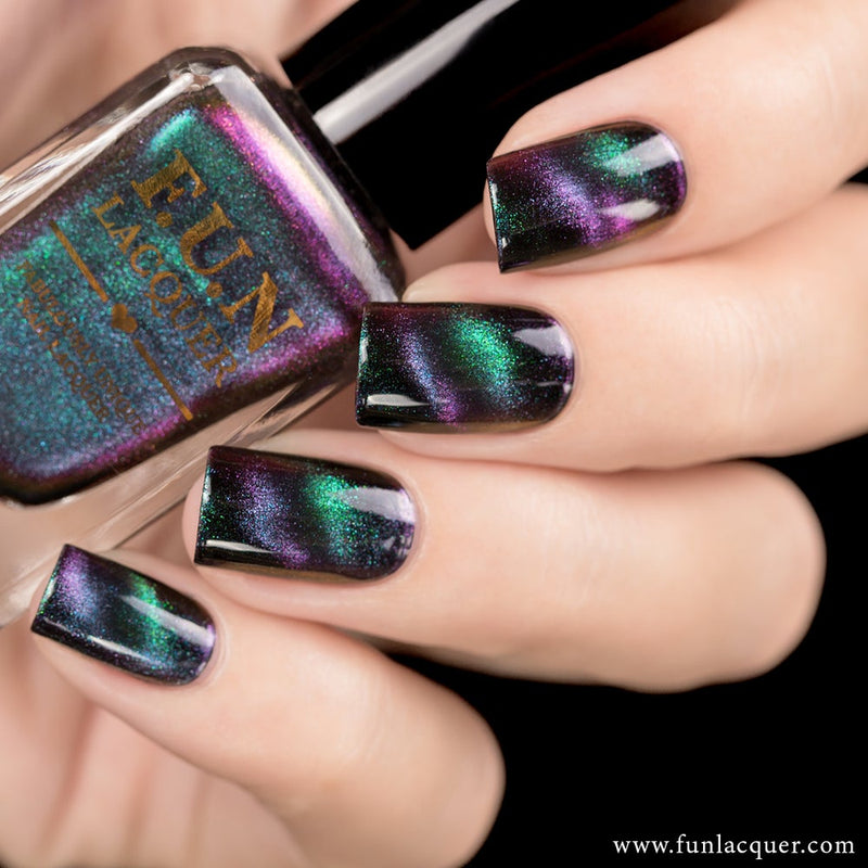 Believe Multichrome Magnetic Cat Eye Nail Polish