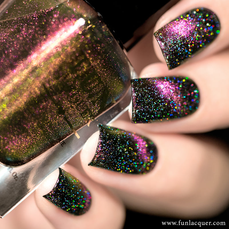 Diamond Dust Scattered Holographic Top Coat with Incredible Multi-chrome Magnetic Nail Polish