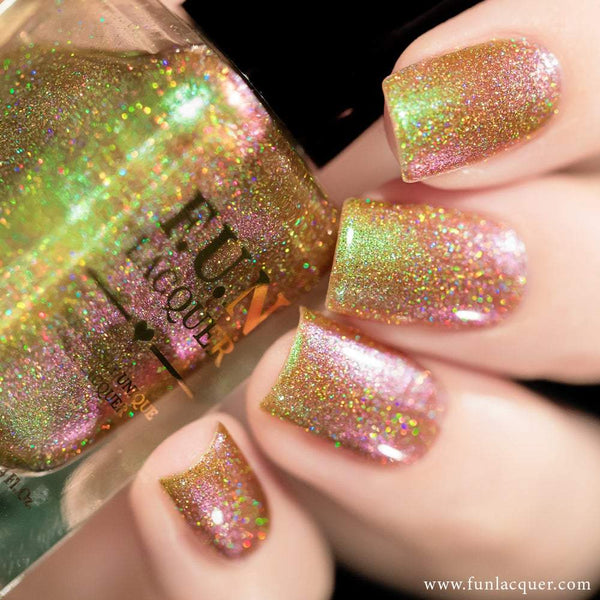 Uniphant (H) Green Color Shifting Holographic Nail Polish