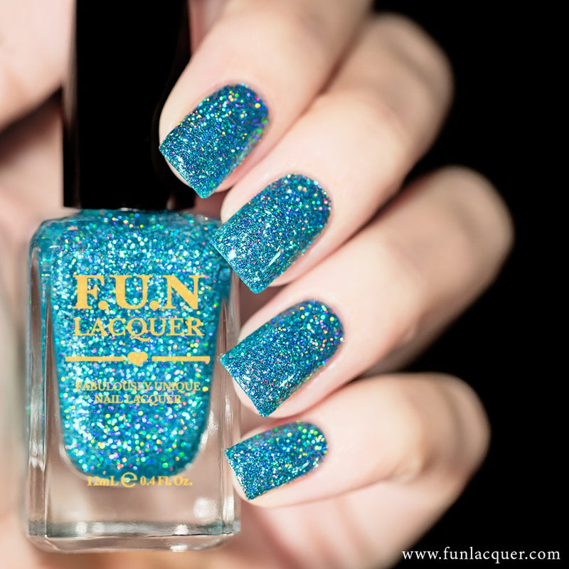 Vacation Ocean Blue Holographic Glitter Nail Polish