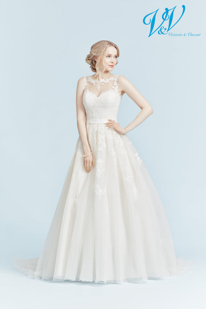 Victoria & Vincent wedding dress fashion