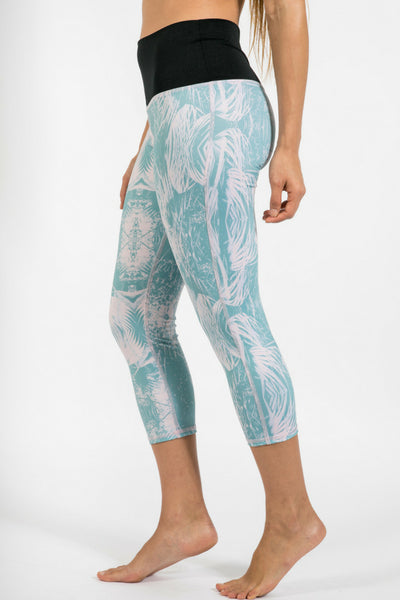 Femme Capri Water Leggings - Pink Palm
