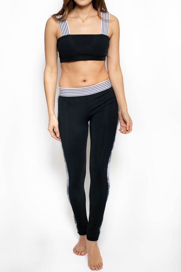 Vented Nomad Legging - Black / Night Paradise