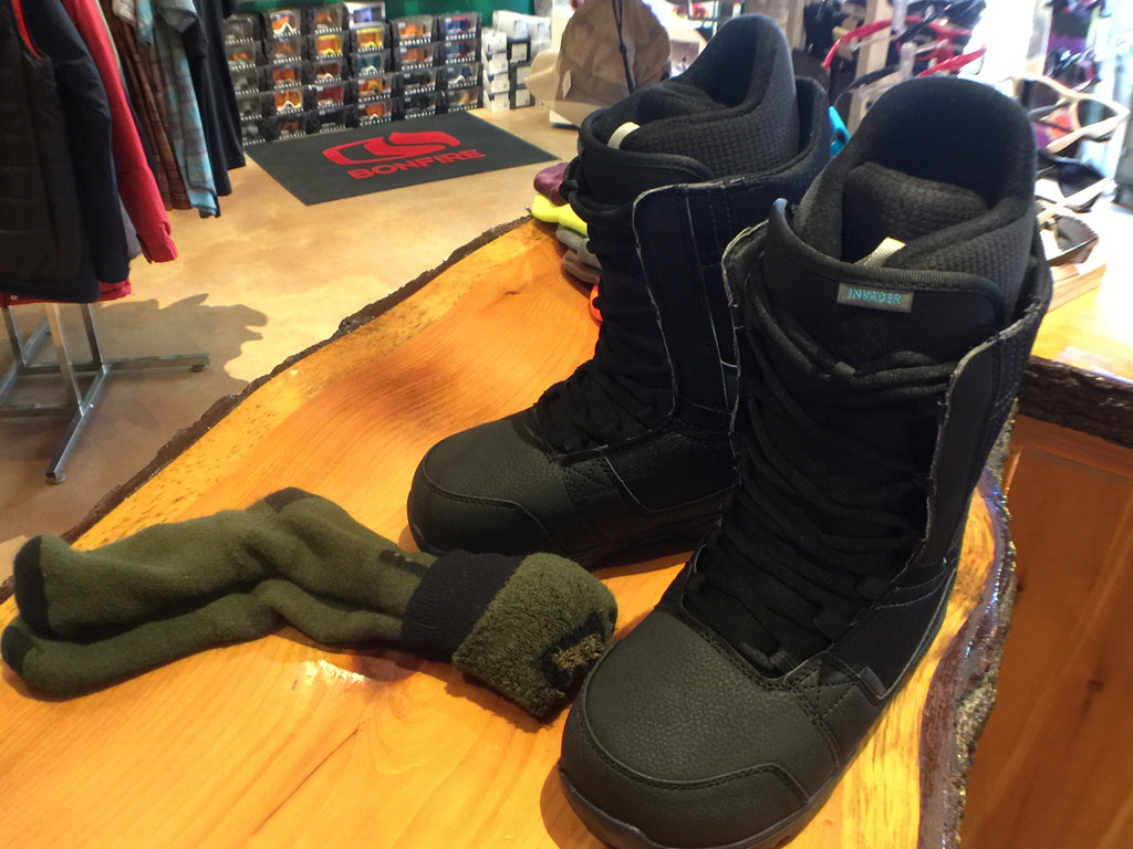How To Try On Your New Snowboarding Boots