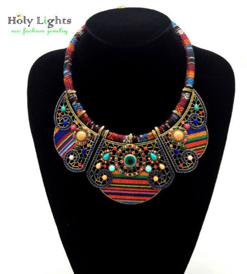 Collier tribal multicolore