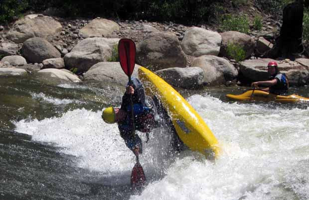 AT_Eddy_Whitewater_kayak_Paddle_Review_Stephen_Wright_Liftoff