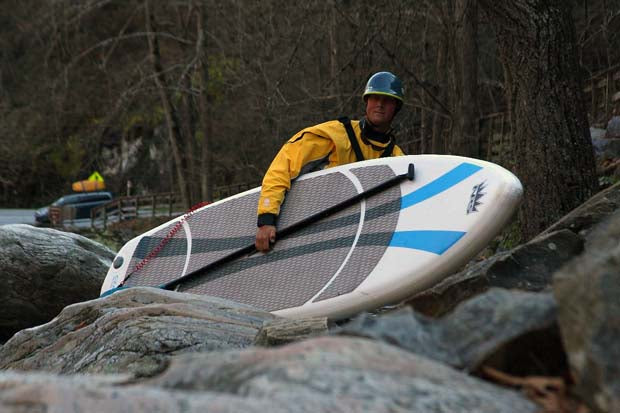 NRS_Czar_Inflatable_Stand_Up_Paddleboard_Review_Board_Carry