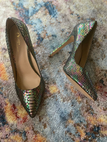"""RAINBOW SNAKE"" PUMPS"