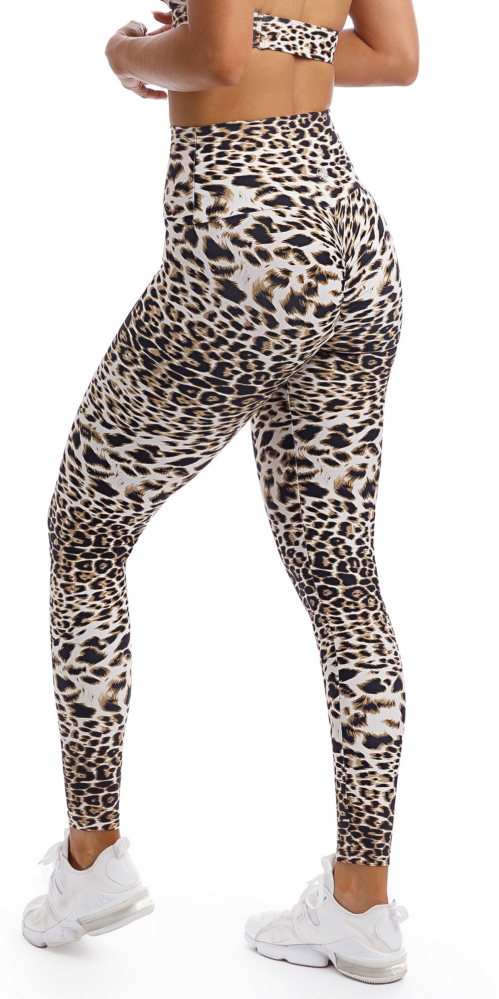 Girl wearing brown & white cheetah print scrunch bum leggings & matching infinity bra