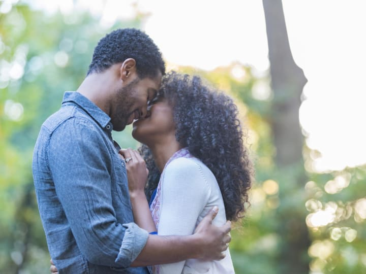 6 Ways to Reconnect with Your Spouse in 10 Minutes a Day or Less