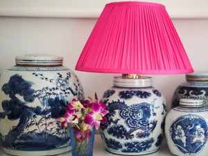 Silk magenta lamp with Chinese ceramic lamp