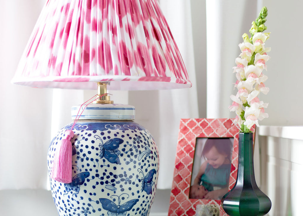 Oriental ceramic lamp with shade