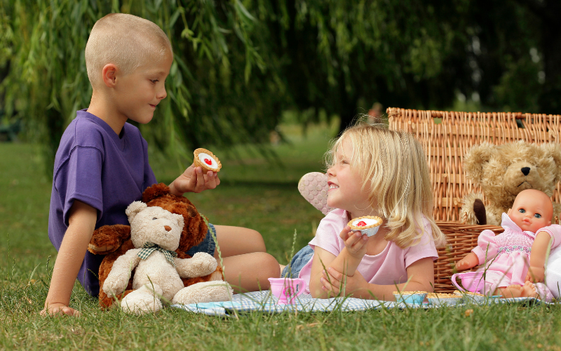 How to Picnic Stress Free With Kids