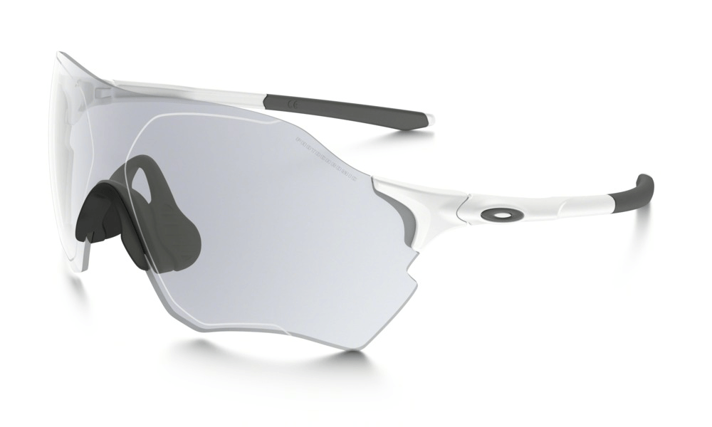 Oakley  EVZero Range Matte White w/Clear Photchromic  Lens