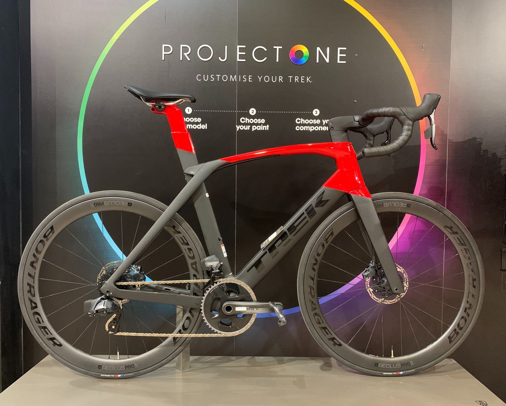 Trek Madone SLR 7 Force AXS 58cm Black/Viper Red 2020 - Cycles Galleria Melbourne