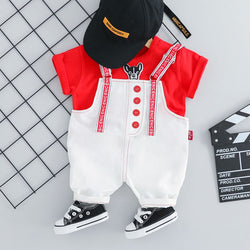 Printed Strap Dungaree And Tshirt Set