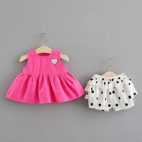 Pleated Top And Polka Dots Flared Shorts Set