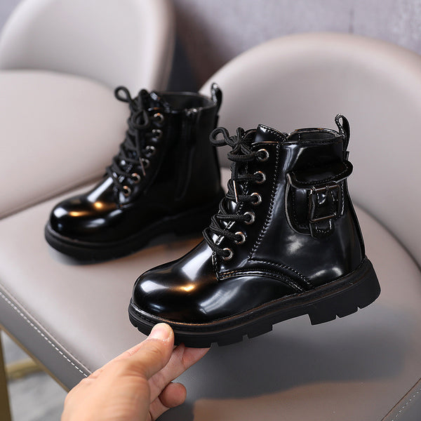 zipper black boots