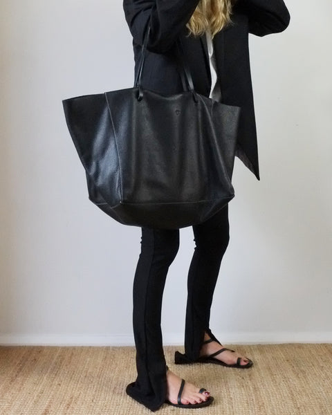 OVERSIZED TOTE, BLACK