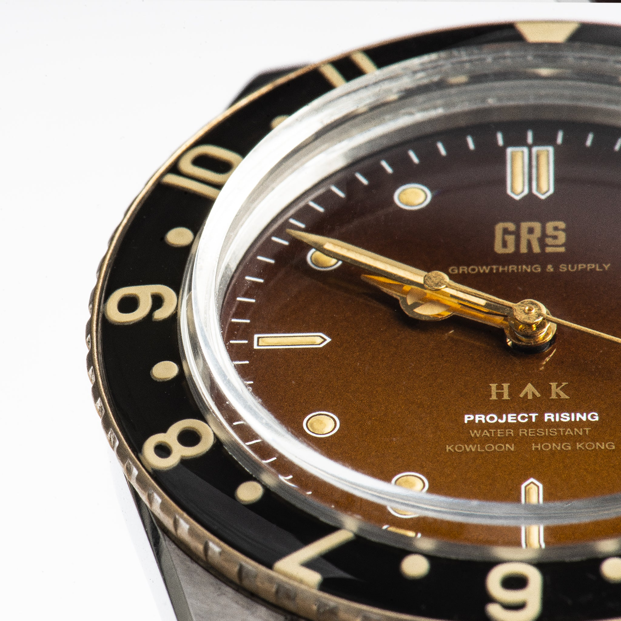 "GRS x WMT PANTON ""GRS H↑K 1959"" Limited Edition With a 3-Link Stainless Steel Bracelet"