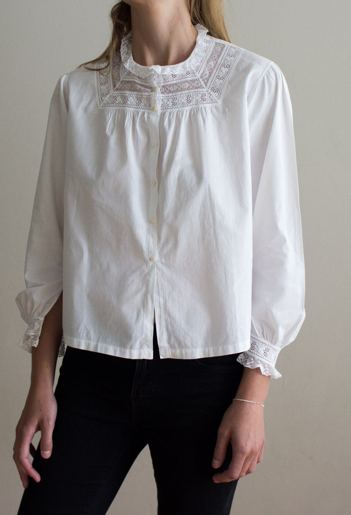 Old cotton vintage blouse, antique from Mallorca. Front
