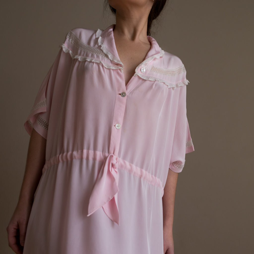 Sabellar. Vintage pink silk dress from early 20th Century from Majorca