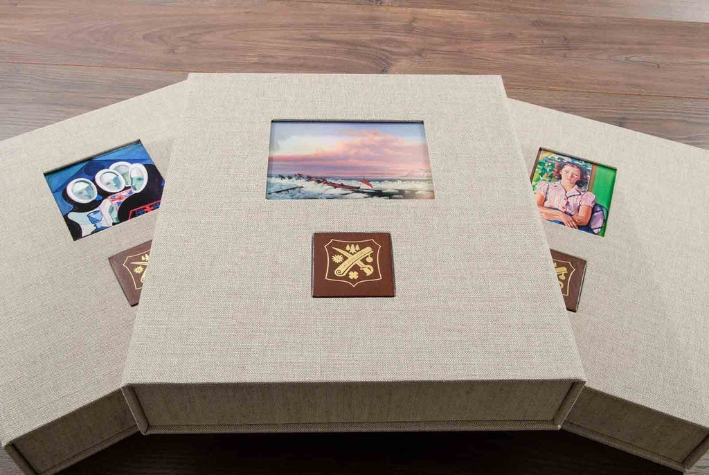 Art collectors clamshell box with matching leather album