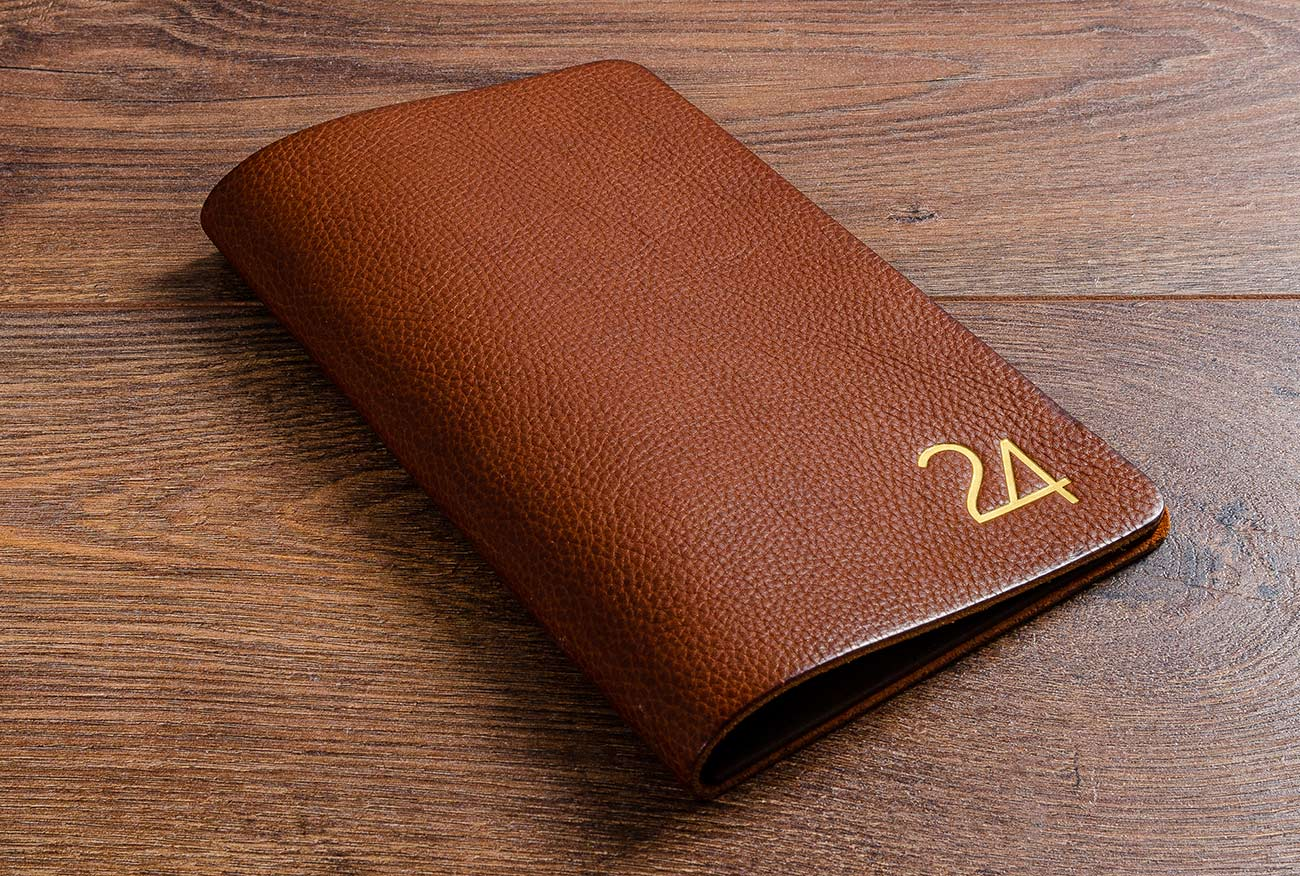 Luxury leather Bill fold wallet in 2.5mm thick, full grain leather with gold foil personalisation