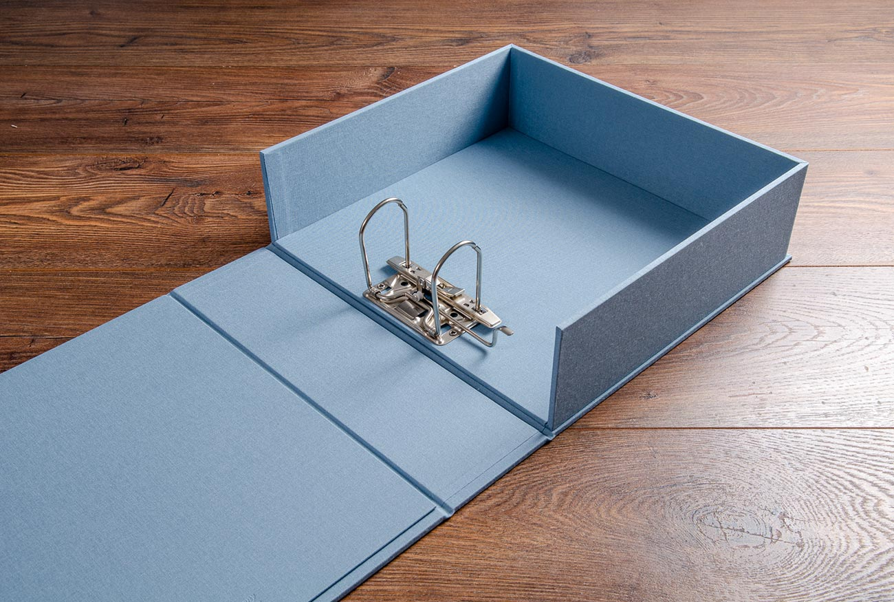 The custom made vehicle document box had a 5mm lever arch mechanism