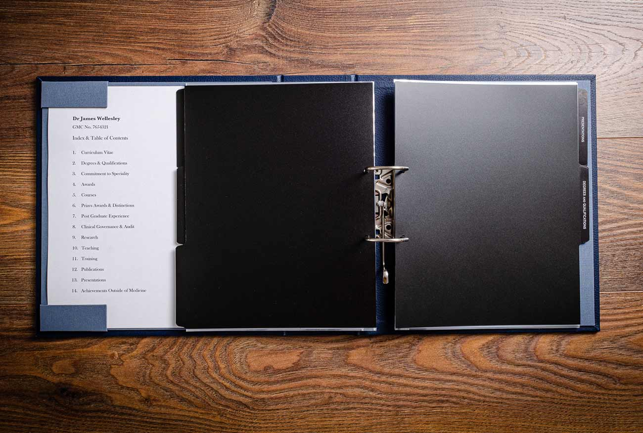 Medical and surgical portfolio sized for page protectors and dividers with optional contents page holder pockets