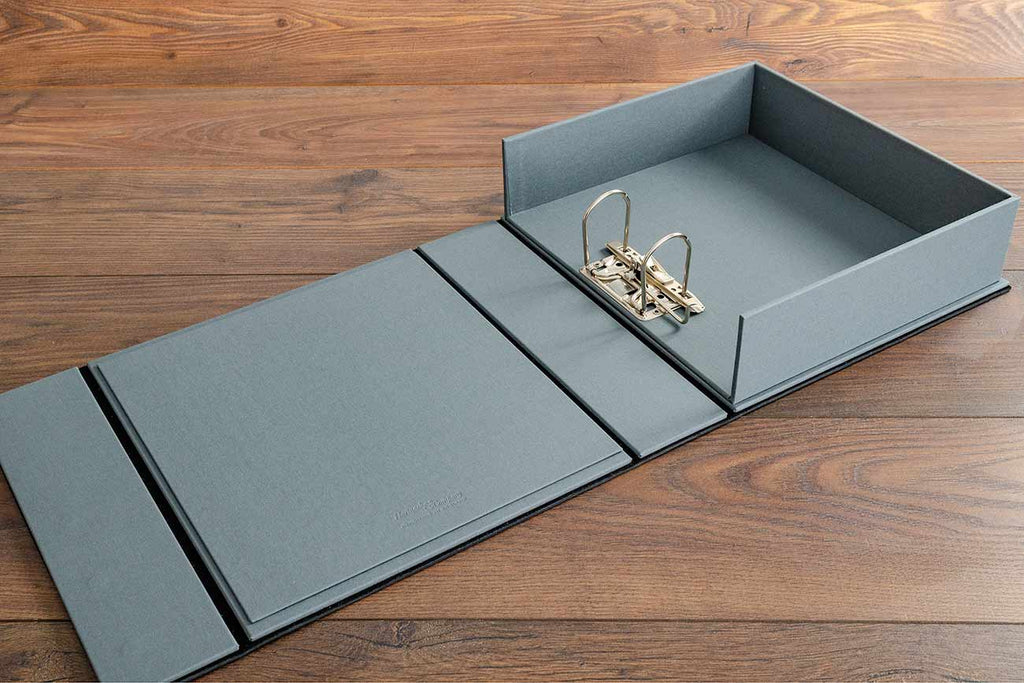 The drop back box file has a Plate grey interior with a 5cm lever arch mechanism