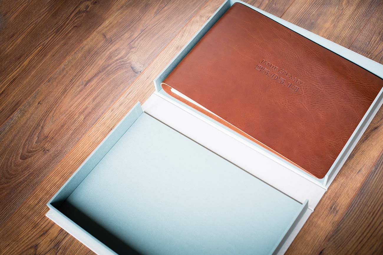 Leather wedding album and clamshell box