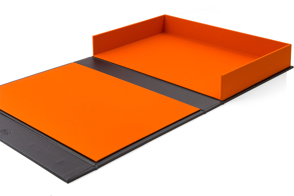The drop back portfolio box has a Solo orange inner cover and tray