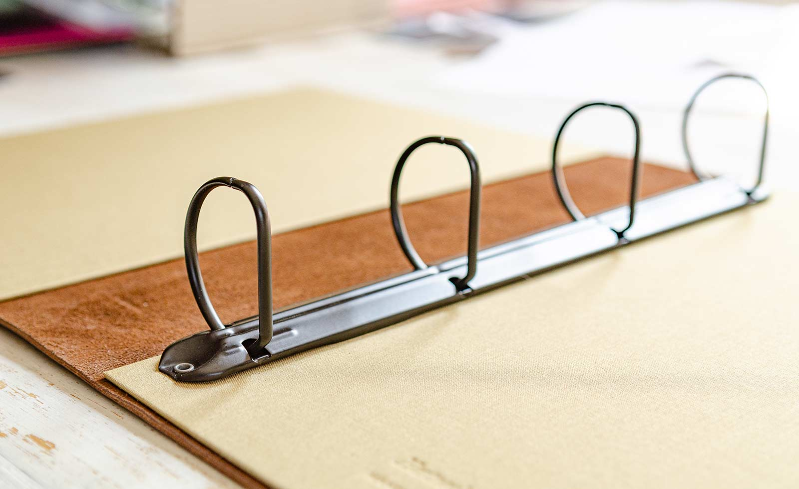 leather ring binder mechanism