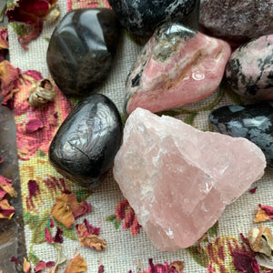 Crystals for Heartbreak/Heartache - Chakra Zulu