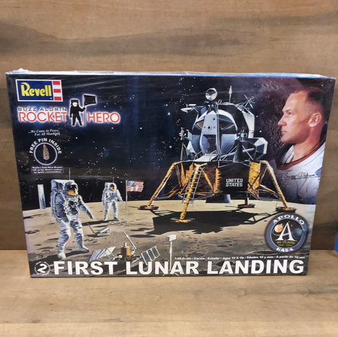 First Lunar Landing: Buzz Aldrin Rocket Hero 1/48 Scale(Sealed)