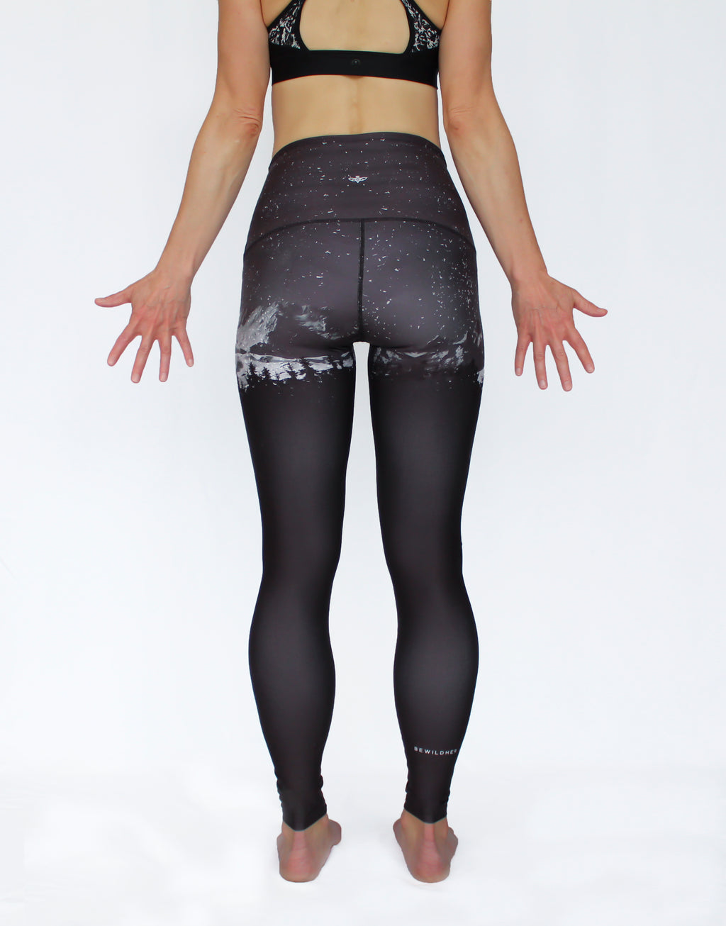 OCTOBER - The Backcountry Black Leggings - Size Small