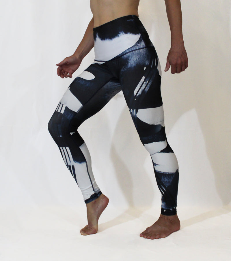 AUGUST - The Orca Motion Leggings - LAST CHANCE
